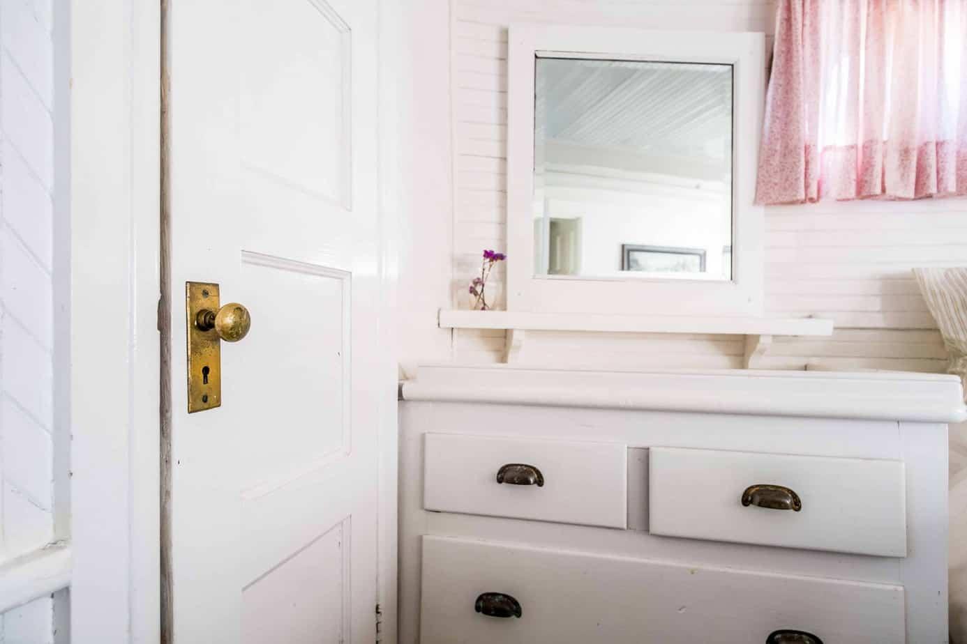 5 Tips To Keep Your Bathroom Organized
