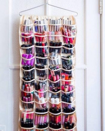 Ideas To Organize Makeup In a Small Bathroom