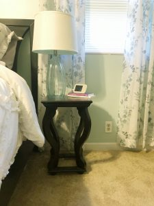 How to Keep Your Night Stands Clutter Free