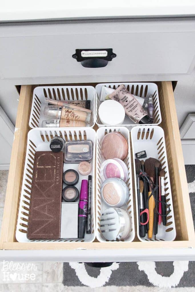 Brilliant Ways To Organize Bathroom Drawers