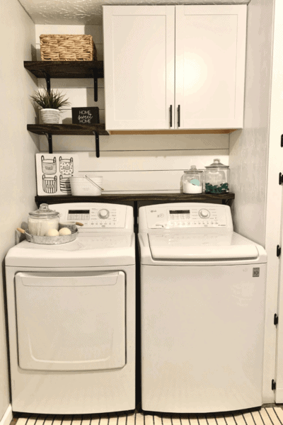 Farmhouse Laundry Room Remodel